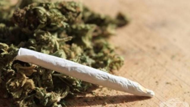 Задържаха 37-годишен мъж, обвинен за разпространение на наркотични вещества