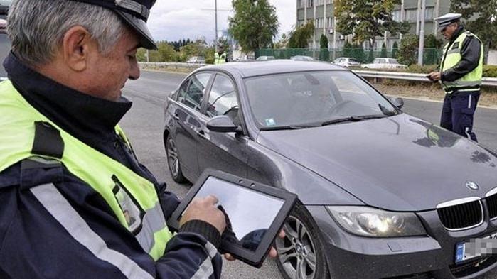 27-годишен водач бил спрян за проверка от автопатрул при управление