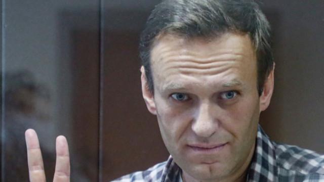 Затворът в Русия плаши да храни насила провеждащия гладна стачка Навални