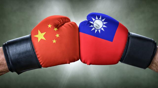 Китай изпрати 25 бойни самолети в Тайванския проток