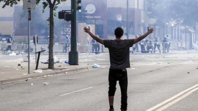 1 убит и 11 простреляни в Минеаполис (ВИДЕО)