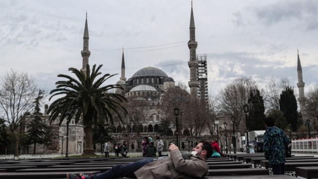 Турция с по-строги мерки за две седмици заради COVID-19