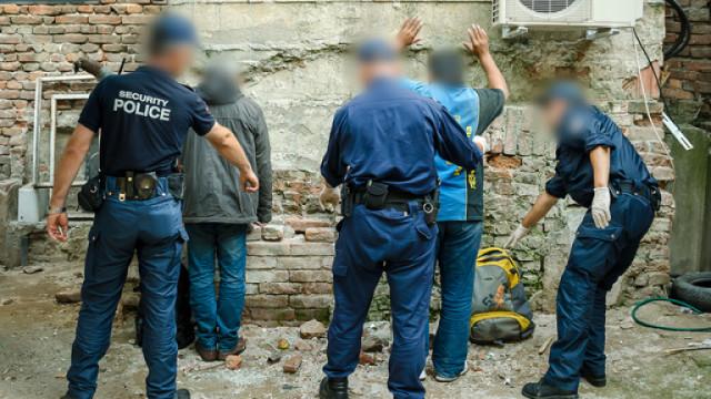 7 нелегални мигранти, сред тях и две деца, спряха на Оряхово