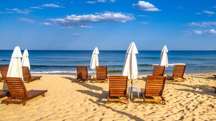 Безплатни чадъри и шезлонги по Черноморието и тази година