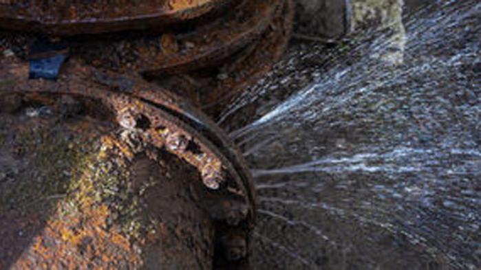 Аварии оставиха без вода още няколко района във Варна