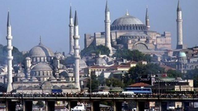 Моловете в Истанбул ще работят със съкратено работно време