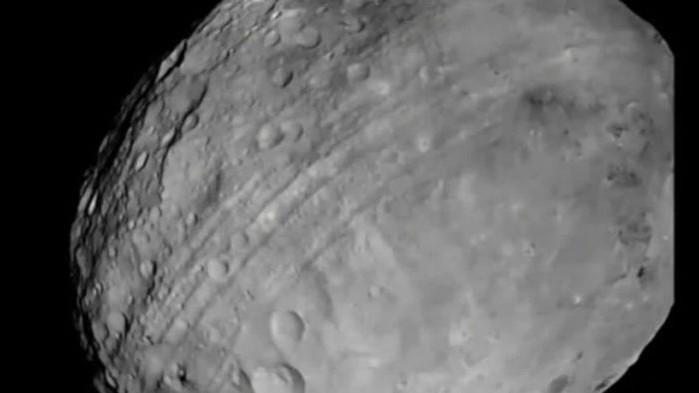 Сондата на НАСАOSIRIS-Rex(ОЗИРИС-РЕКС) е оставила видими следи на повърхността наастероида