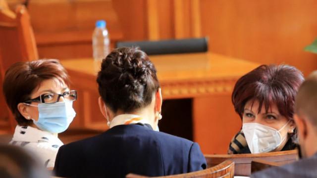 Десислава Атанасова: Слави Трифонов вече излъга своите избиратели за мажоритарния вот