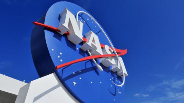 НАСА избра SpaceX да изпрати астронавти на Луната до 2024 г.