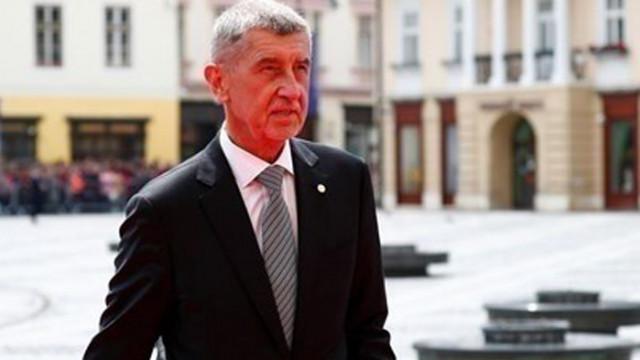 След скандал в правителството Чехия се отказва от руска ваксина