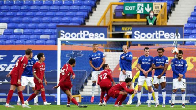 Евертън изпусна да вземе дербито в безличен мач с Ливърпул
