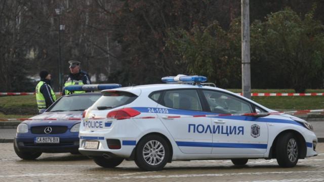 Оставиха в ареста полицая, пласирал дрога в Студентски град
