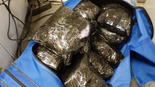 """Заловиха турски трафикант с над 40 кг наркотици на """"Калотина"""""""