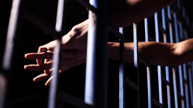 Елинпелински криминалисти задържаха полугол мъж, опитал се да обере пенсионерка