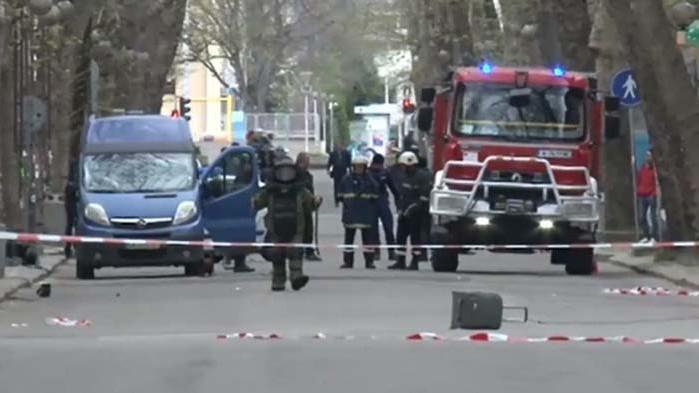Акция в Бургас: Обезвредиха изоставен съмнителен куфар