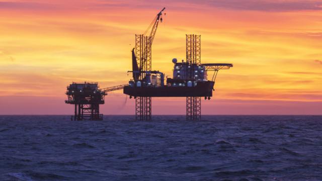 Петролът продължава растежа си и във втората търговска сесия