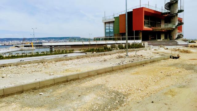 """Продължават дейностите по облагородяване на достъпа до Рибарското пристанище """"Карантината"""""""