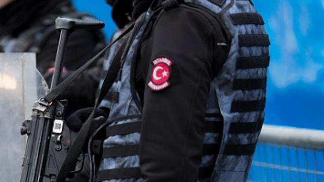 Турция арестува стотици военни за връзки с Гюлен