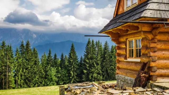 Дървената къща и какво печелим, ако живеем в такава
