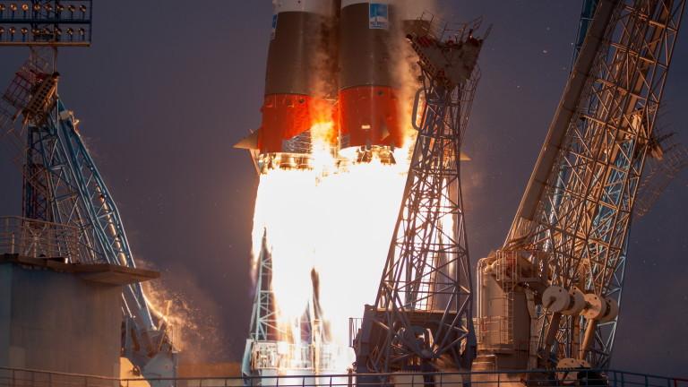 """Русия изстреля """"Союз"""" с 36 британски сателита"""