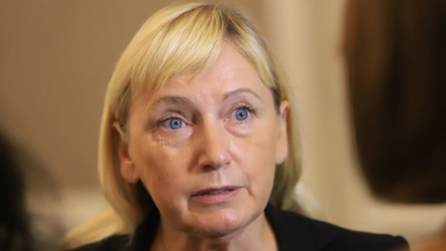 Йончева: БСП трябва да върне мандата. В противен случай партията просто ще бъде пометена