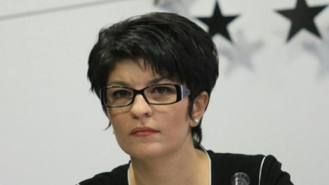 Десислава Атанасова за мандата на ИТН: Никак не е елегантно да се скриеш зад гърба на дама