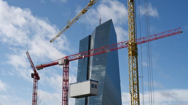 Експерти прогнозират най-малко 10% свиване на икономиката на Германия през 2020 г.
