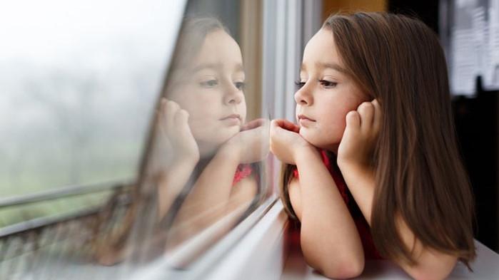 Отражения от  COVID-19 и социалната изолация при децата. Съвети към родители.