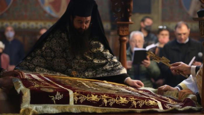 """Десетки миряни се събраха в столичния храм """"Света Неделя"""" на"""