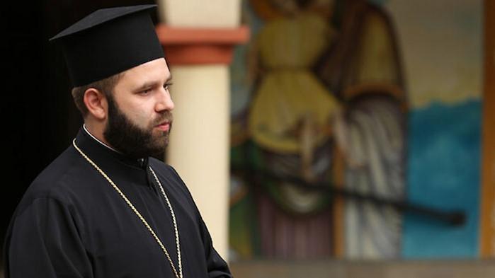 Отец Спас: Минавайки под плащеницата съпреживяваме мъките Христови