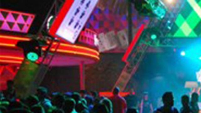 Клубно парти в Ливърпул ще покаже дали ще рестартират масовите събития