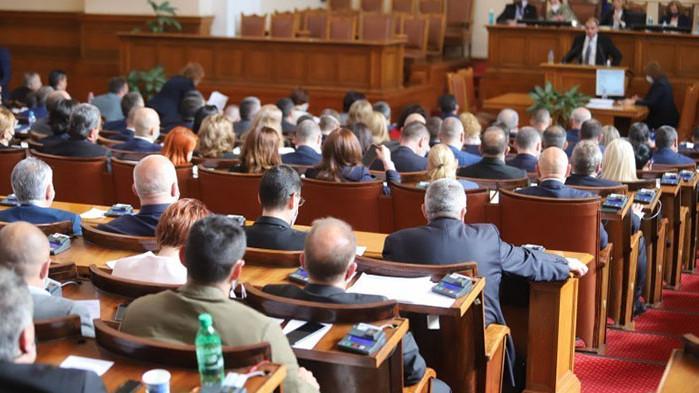 Виктор Димчев за Изборния кодекс: Цяла година шум за няколко противоконституционни поправки