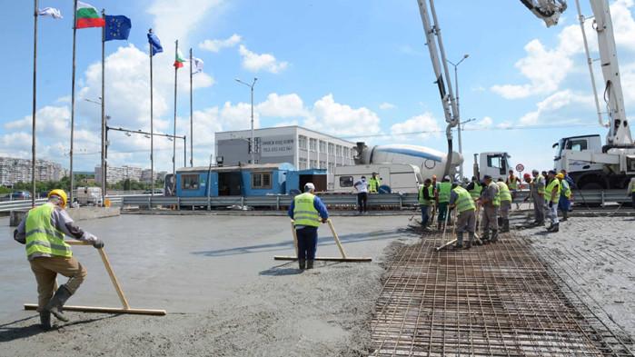 Аспарухов мост вече е отворен в двете посоки