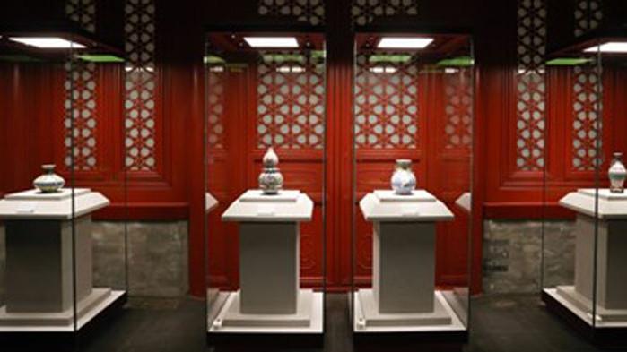 Изложбата с керамични съдове на Забранения град е достъпна отново за туристите