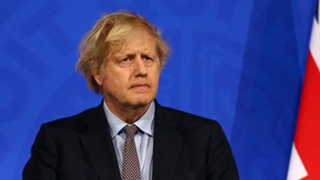 Великобритания може да отмени през юни социалната дистанция