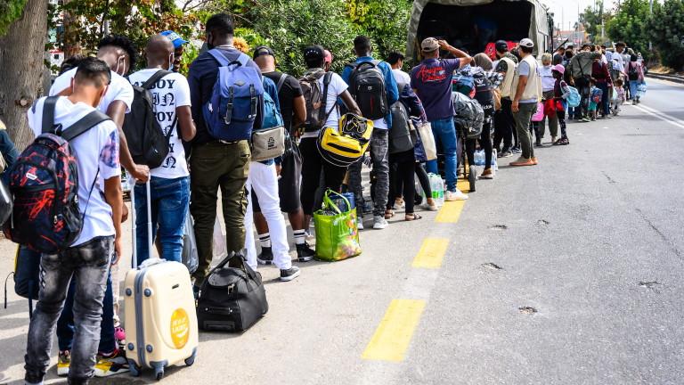 Арестуваха 25 мигранти от Афганистан тази сутрин на АМ