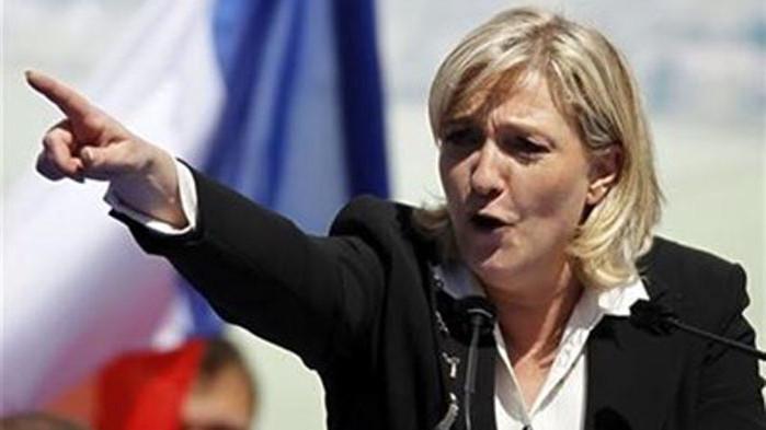 """Оправдаха Марин Льо Пен, публикувала кадри на мъчения на """"Ислямска държава"""""""
