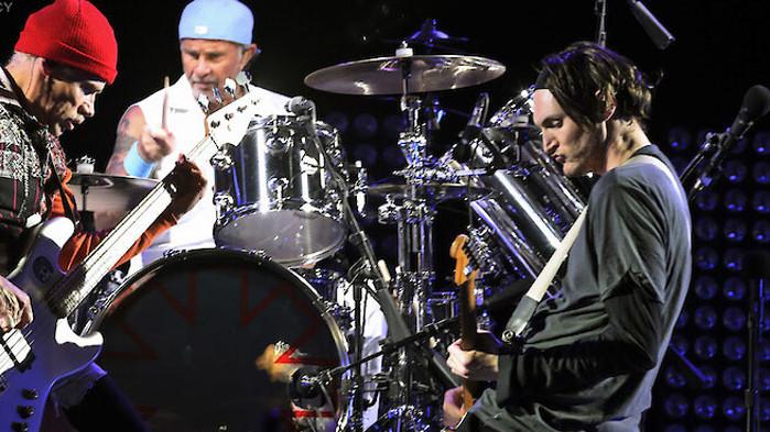 За 150 млн. долара Red Hot Chili Peppers продадоха песните си