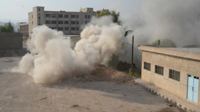 Израел удари склад в Сирия