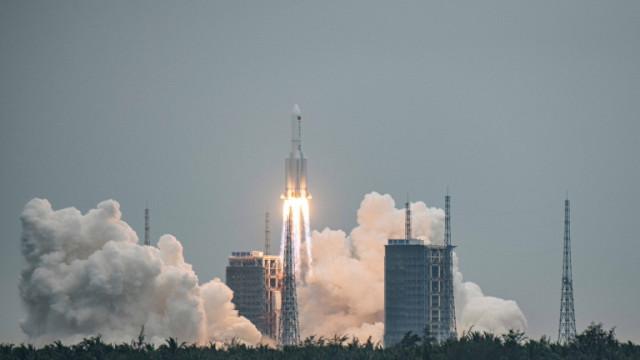 Пентагонът следи къде ще падне китайската ракета