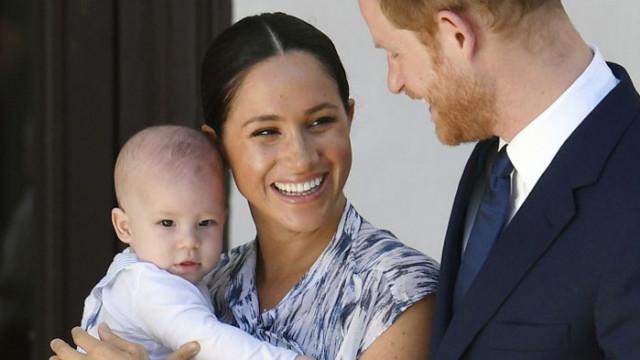 Кралското семейство с поздравления за рождения ден на сина на принц Хари и Меган