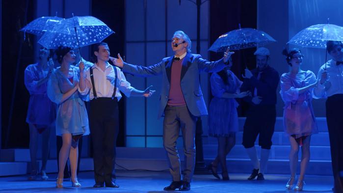 """Чисто небе над Летния театър утре за мюзикъла """"Да пееш под дъжда"""" във Варна"""