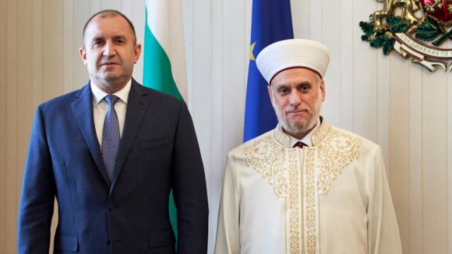 Президент и главен мюфтия искат държавата да плаща заплатите на имамите у нас