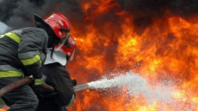 """69-годишен мъж е с 50% изгаряния и опасност за живота след пожар в м. """"Зеленика"""""""