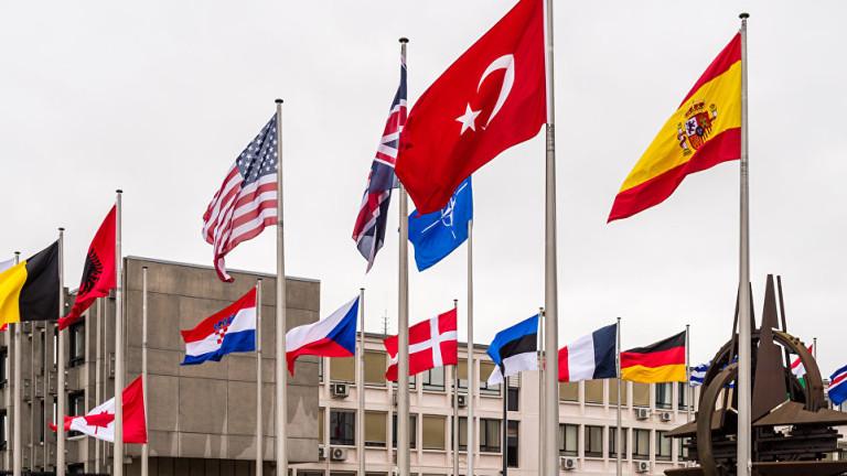 Европейските съюзници на САЩ в НАТО призоваха Вашингтонда отложи изтеглянето