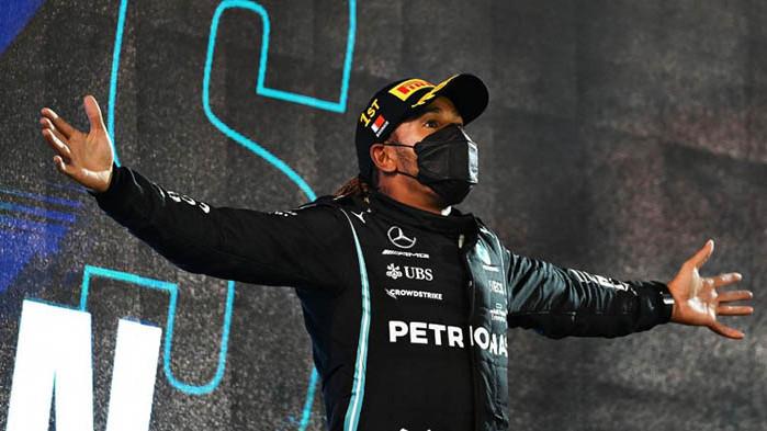 Британецът Люис Хамилтън успя да финишира първи в Гран при