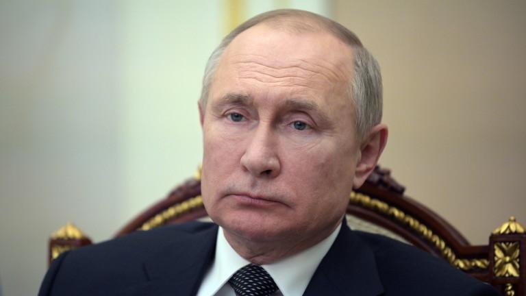 Руският президент Владимир Путин планира да продължирежима си на строга