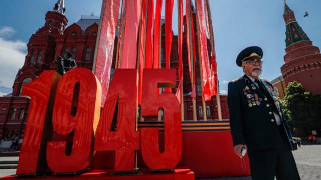 Съветският народ спаси света от фашизма, обяви Путин на парада за 75 г. от Деня на победата