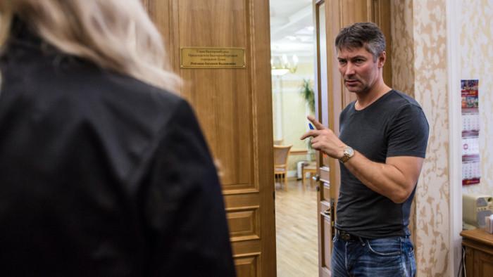 Съд вРусия осъди популярния опозиционен политик Евгений Ройзман на девет