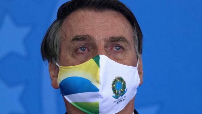 Администрацията на бразилския президентЖаир Болсонару бърза да одобри дълго отлаган